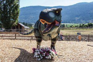 decoration dinosaure le T-Rex et ses fleurs